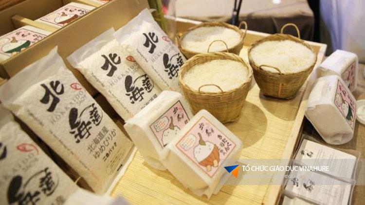 Mua gạo ở Nhật Bản