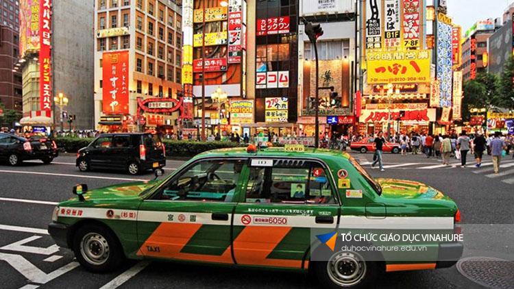 Sử dụng Taxi ở Nhật