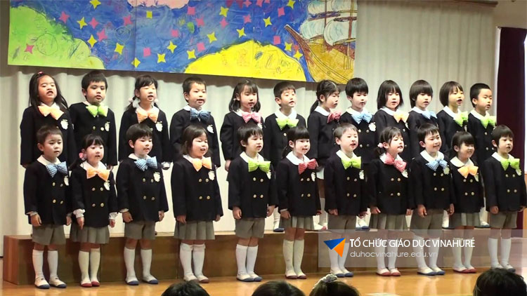 Vì sao trẻ em Nhật Bản lại giỏi như vậy