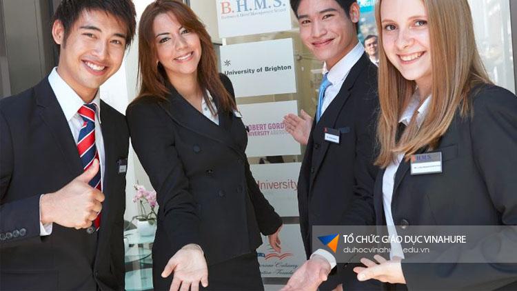Nhìn lại hội thảo du học Thuỵ Sĩ - Trường BHMS