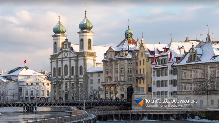 4 trường có học phí thấp nhất tại Thuỵ Sĩ