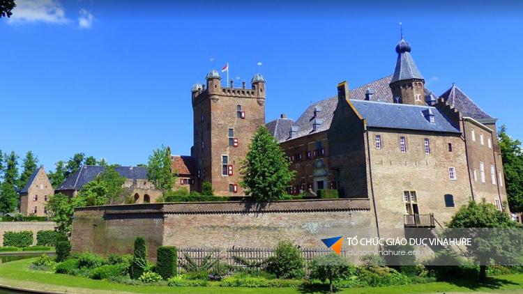 Đất nước Hà Lan xinh đẹp với những toà lâu đài cổ