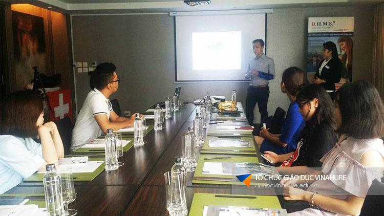 Hình ảnh Hội thảo du học Thụy Sĩ - Trường BHMS tại Hà Nội