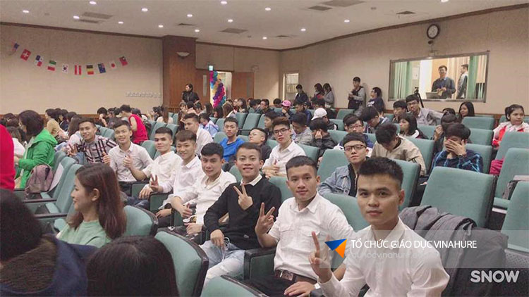 Khi mọi việc đã ổn đinh là thời điểm du học sinh bắt đầu dự lễ khai giảng khóa học mới tại đất nước Đài Loan.