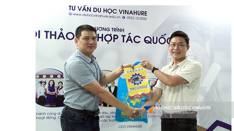 Đại diện tuyển sinh Đài Loan sang thăm và làm việc tại Vinahure
